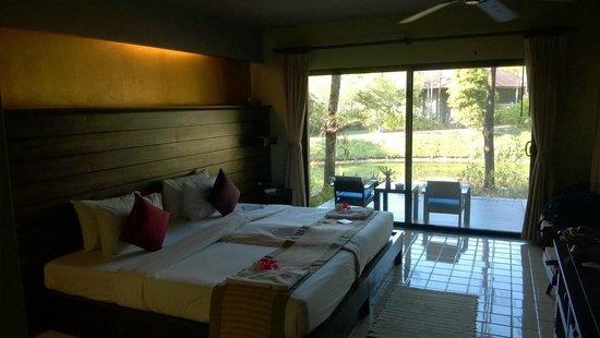 Khaolak Wanaburee Resort: The room
