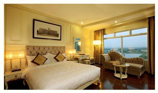 Silverland Jolie Hotel & Spa: Suite Room