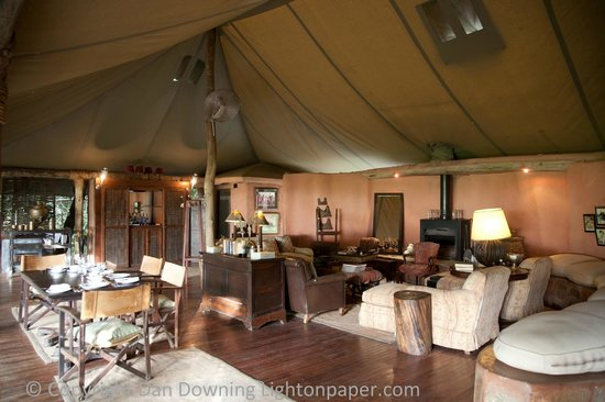 andBeyond Bateleur Camp: Lobby and Dining