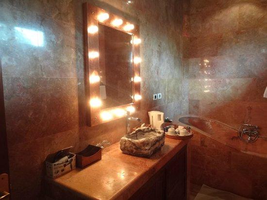 Tanah Merah Art Resort : salle de bain