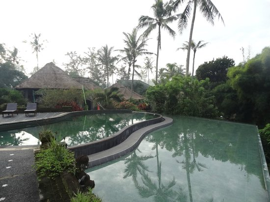 Tanah Merah Art Resort : la magnifique piscine