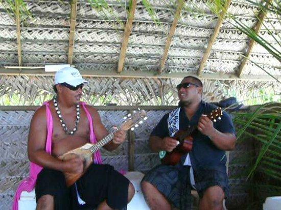 Lagoon Service : Steven & Rainui