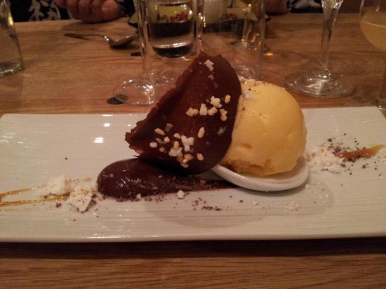 Yasuragi: Efterrätt: Mandarinsorbet med choklad