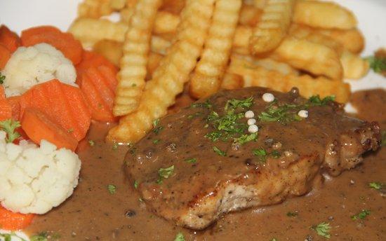 Tapas & Cheese: pork steak with black pepper sauce