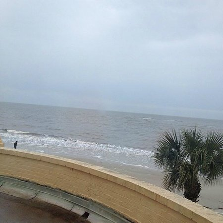 The King and Prince Beach and Golf Resort: Window view from room 216.