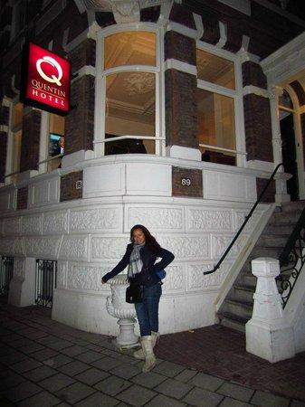Quentin Amsterdam Hotel: Entrada del Hotel