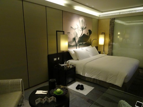 Siam Kempinski Hotel Bangkok : bedroom