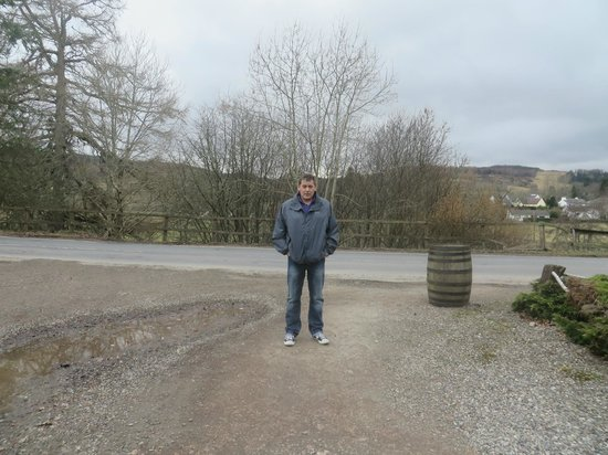 The Strathardle Inn: outside in the grounds