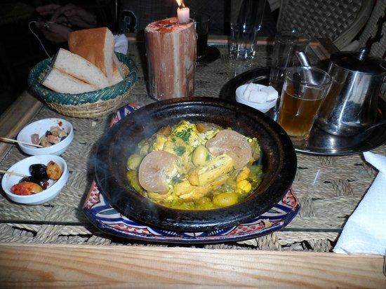 Baganziz Cafe : Chicken tagine meal