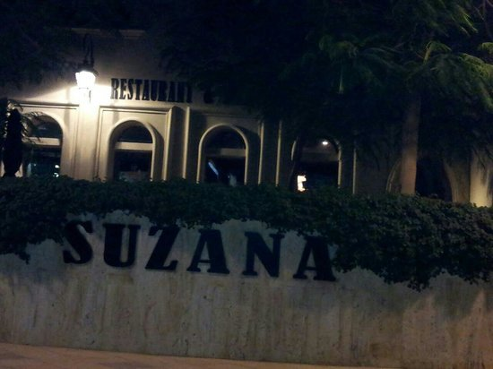 Suzana Restaurant & Bar: F