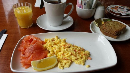 Copper Alley Bistro: Salmon and scrambled eggs with toast