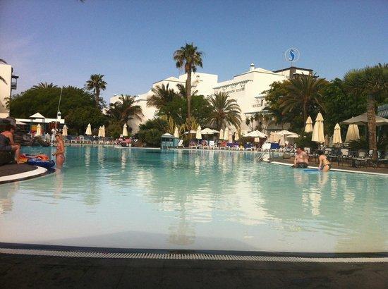 Seaside Los Jameos Playa : Lovely Pool