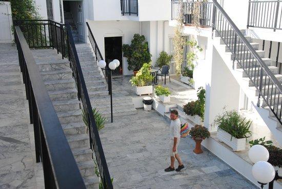 Athina Hotel: the hallway