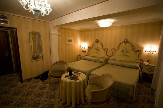 Hotel Concordia: Room 114