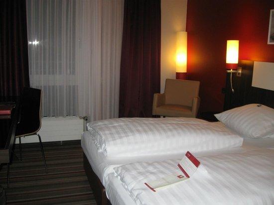 Leonardo Hotel München City West: Bedroom