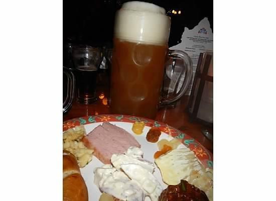 Biergarten Restaurant : Food and beer