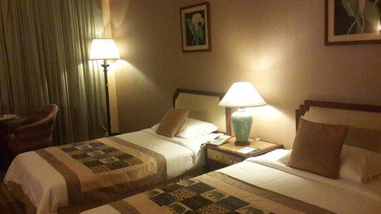 Chiang Mai Plaza Hotel: ห้องราคา 1000 บาท ถือว่าราคาโอเคเลยค่ะ