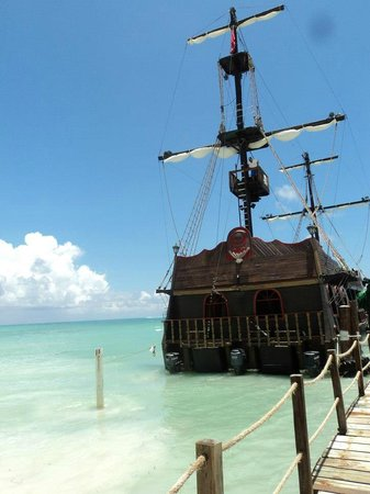 Grand Bahia Principe Punta Cana: Pirate ship