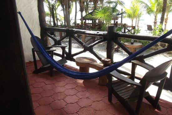Beachfront Hotel La Palapa: Terraza de la habitación