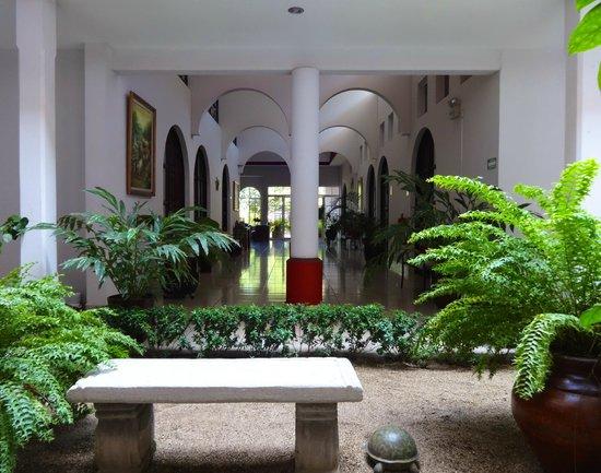 Hotel Executive Managua: Pasillos
