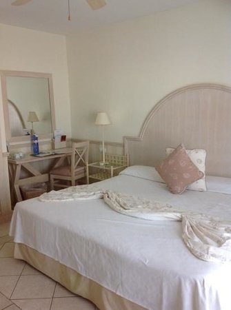 Gran Castillo Tagoro Family & Fun Playa Blanca: superking size bed room 7317