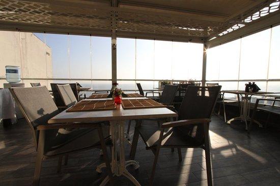 Sultan Suffa Hotel: Terrace