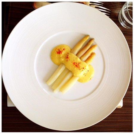 Ooh La La Food: White asparagus