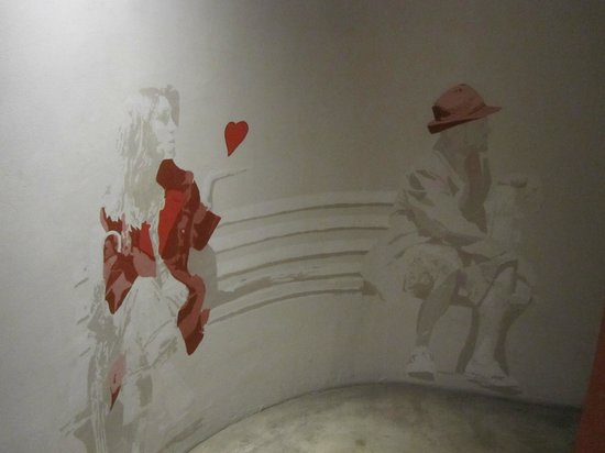 Rouge on Rose: Artwork in the hall
