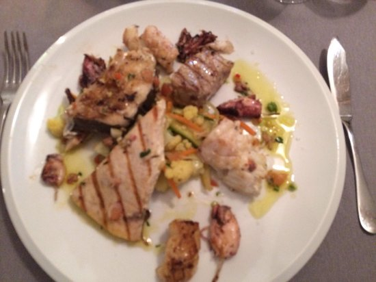 Restaurant La Caravelle: Mixed grilled fish - top !!