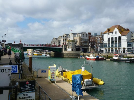 Beach Guest House : Weymouth Town Bridge