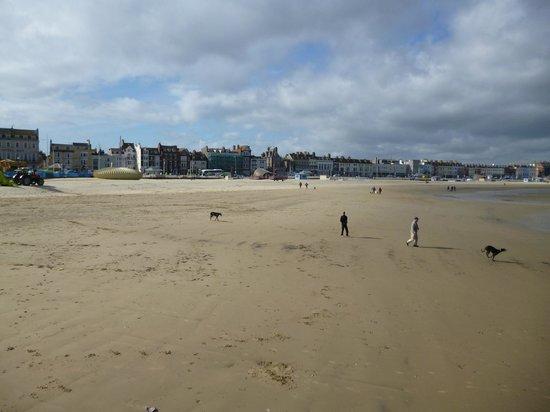 Beach Guest House: Weymouth Beach