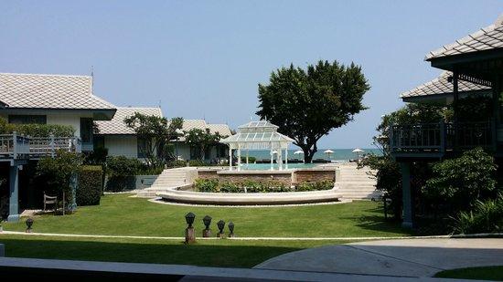Devasom Hua Hin Resort: Vista View from Reception