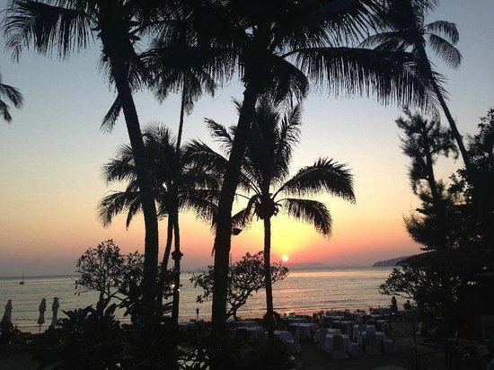 Centara Grand Beach Resort & Villas Krabi: Sunset... you get this view every night