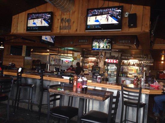 Sizzles Bbq Bar & Grill: Bar