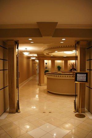 Avenue Plaza Resort: 1st Floor towards Workout Room - Abandoned Salon