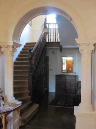 Esperanza Guest House: Entry Hall