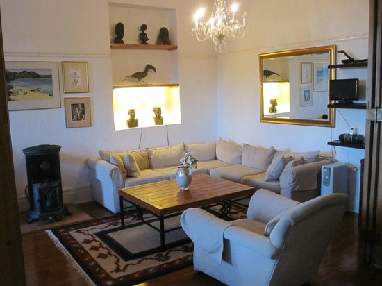 Esperanza Guest House: Hangout room