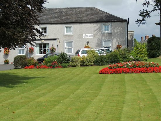 Surrone House: Guest House and Gardens