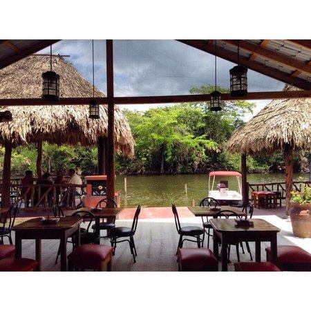 Maracas Bar and Grill