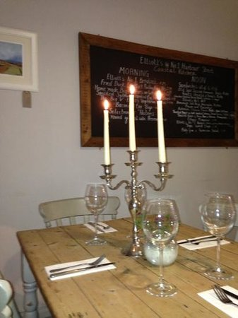 Elliott's at No 1 Harbour Street: Bistro Style Evening Dining Friendly and Informal