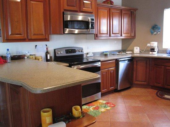 Grand Caribe Belize Resort and Condominiums: condo in kitchen