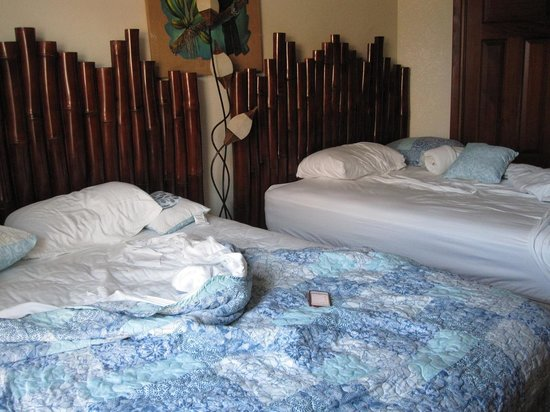 Grand Caribe Belize Resort and Condominiums : beds
