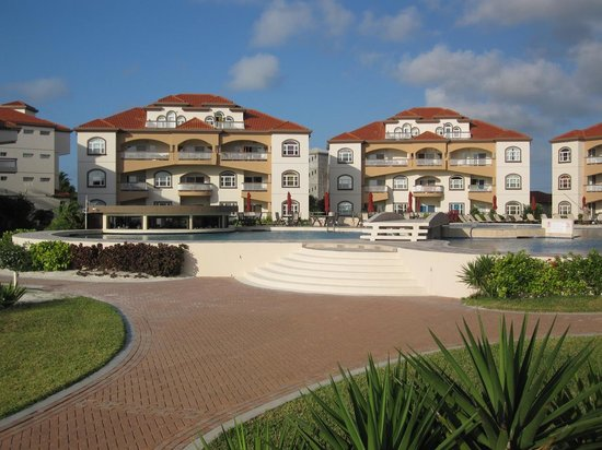 Grand Caribe Belize Resort and Condominiums: ouside