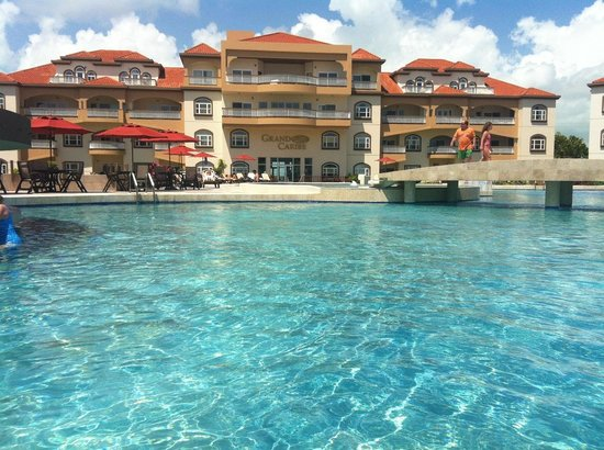 Grand Caribe Belize Resort and Condominiums: great pool