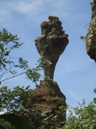 Parauna, GO: Pedra do Cálice, Paraúna-GO
