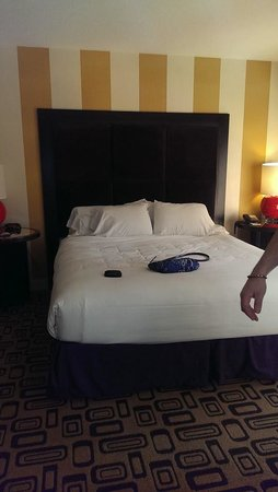 Planet Hollywood Resort & Casino: bed
