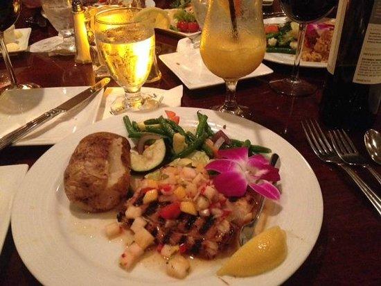 Chloes: Mahi Mahi Dinner