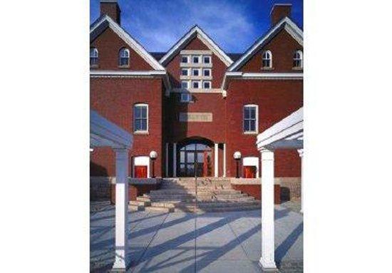Peter A. McKernan Hospitality Center: Back Entrance