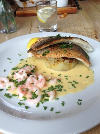 The Moody Cow: delicious sea bass with prawns in lemon cream sauce