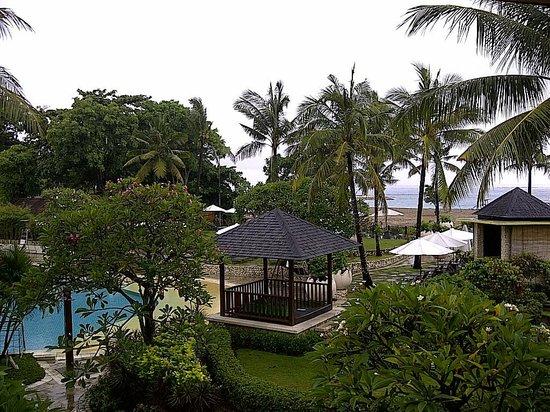 Holiday Inn Resort Baruna Bali : Pool Area